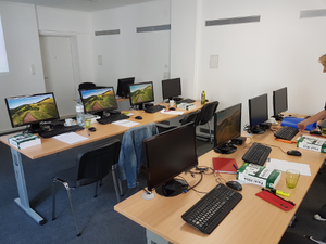Excel Kursort - 10 moderne EDV Arbeitsbplätze